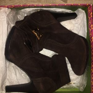 BARLEY WORN Brown Tory Butch booties with gold!!!!